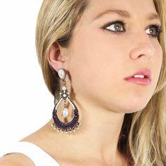 Lindíssimo! Compre pelo site - http://lechik.com.br/index.php/produto/130/maxi-brinco-perolas-azul