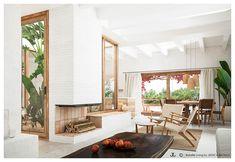 CA LA BRISA - Bataille Living Luxury Mediterranean Homes, Mediterranean Style, Luxury Homes, Casa San Sebastian, Living Room Lounge, Living Rooms, Exclusive Homes, Ensuite Bathrooms, Open Plan Kitchen