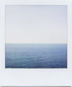 Polaroid of the sea. Polaroid Instax, Polaroid Frame, Polaroids, Photo Polaroid, Polaroid Pictures, Film Photography, Street Photography, White Photography, Landscape Photography