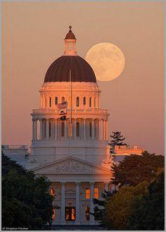 Full Moon At The State Capital - Sacramento, California
