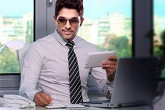 Allu Arjun hasn't appeared as an IT guy in any of his films. But it looks like director Trivikram wants to turn him into that most hype profession for their next movie #flicomovies #flico #Tollywood #Telugu #AlluArjun #Trivikram #Actor #Director #IT