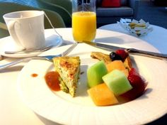 The Centurion Lounge - A Great Airport Hideaway - Traveling Mom