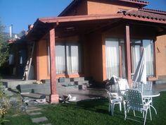 PERGOLAS Y QUINCHOS: quinchos Outdoor Kitchen Bars, Backyard Kitchen, Outdoor Kitchen Design, Patio Design, Backyard Patio, Pergola Swing, Pergola Ideas, Patio Ideas, Outdoor Living