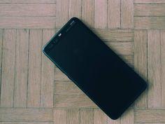 Op het eerste zicht zou je denken dat dit een Huawei P10 is. Dit is echter de P10 Plus de smartphone waarmee @HuaweiMobileBE wil tonen hoe goed ze zijn als het op specificaties aankomt. Het zit vol met de laatste technologische innovaties dus @wuyts_l gaat zich erg amuseren tijdens z'n testperiode.       The TK filter was used in #VSCO #huaweip10plus #huawei #belgianblogger #techblogger #blogger #blog #geekstercollection #geekster #geeky #smartphone #smartphones #technology #tech #gadgets…