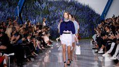 Fashion Week de Paris: les fleurs bleues de Dior