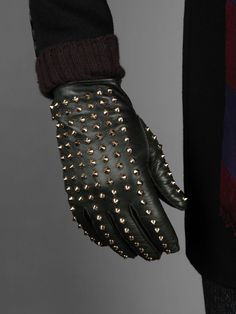 Burberry Prorsum | Leather gloves with golden studs and knitted cuffs.