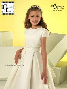 De Blanco vestidos de Comunión 2017   COMUNIÓN TRENDY :: Mil ideas para organizar una Primera Comunión :: Vestidos de comunión, Recordatorios, Trajes de Comunión