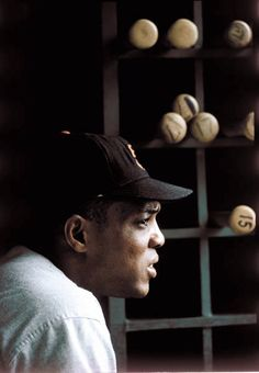 Willie Mays, Milwaukee. 1968, photo taken by Walter Iooss Jr.