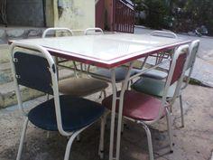 Mesa Antiga Esmaltada Com Cadeiras Dos Anos 50. - R$ 550,00 no MercadoLivre