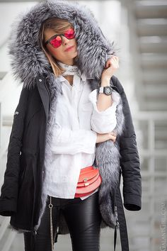 fur-parka-outfit-for-cold-winter-days-with-chloe-georgia-bag
