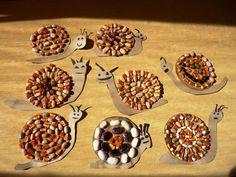 50 Easy Fall Crafts Ideas to Celebrate the Autumn - Quilled Paper Art - - 50 Easy Fall Crafts Ideas to Celebrate the Autumn – Quilled Paper Art žir 50 einfache Herbst-Bastelideen, um den Herbst zu feiern / Fall Crafts For Toddlers, Easy Fall Crafts, Toddler Crafts, Preschool Crafts, Kids Diy, Snail Craft, Quilled Paper Art, Autumn Activities, Nature Crafts