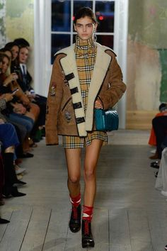 Burberry Fall 2017 Ready-to-Wear Undefined