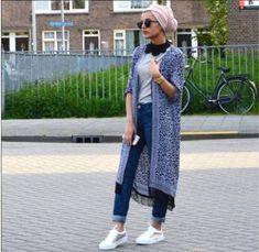 PINNED BY - fringe kimono cardigan turban style- Chic hijab ou… Modern Hijab Fashion, Street Hijab Fashion, Hijab Fashion Inspiration, Islamic Fashion, Muslim Fashion, Modest Fashion, Fashion Outfits, Modest Wear, Modest Outfits