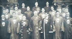 Novas informações chocantes revelam que membros dos Illuminati são descendentes dos ''Deuses da antiguidade'' ~ Sempre Questione