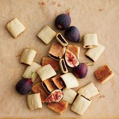 Fig Bars with Red Wine and Anise Seeds | This delicious homemade grown-up version of Fig Newtons calls for adding red wine and anise seeds to the jammy fig filling. The crust gets even more tender the day after baking.