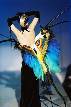 """""""In der legendären Modenschau von Thierry Mugler wurden 1997 die Models zu Insekten"""" Thierry Mugler"""