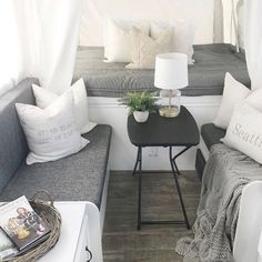 @dreamingofhomemaking has us DREAMING of a camper like this one!! 😘 . . . . #beddys #zipyourbed #zipperbedding #camping #trailers #rv's #camperbedding #campinginstyle #tinyhomes #campers #campinglife #campingtrip #campingfun #bedroomideas #bedroomgoals Popup Camper Remodel, Camper Renovation, Diy Camper, Camper Life, Camper Van, Camper Remodeling, Best Pop Up Campers, Pop Up Truck Campers, Old Campers