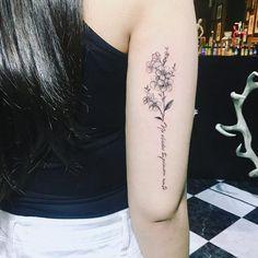 Cute Tattoos, Girl Tattoos, Tatoos, Flower Tattoo Designs, Peircings, Tattoo Drawings, Tatting, Hair Makeup, Make Up