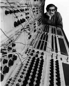 music composed on the legendary Buchla range of electronic music boxes, Ian Helliwell plays and discusses tracks by Morton Subotnick, Ernst Krenek, Michael Czajkowski, Warner Jepson, Bulent Arel and Arthur Krieger.