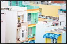 Danang Pastels - Charlotte Curd - Affiche sous cadre standard