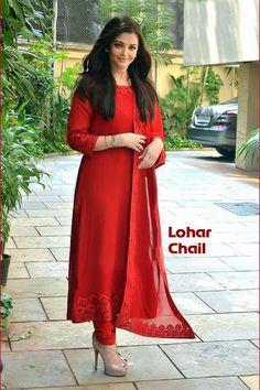 Pakistani Dresses Online, Indian Dresses, Indian Outfits, Indian Attire, Salwar Designs, Kurti Designs Party Wear, Saree Blouse Designs, Designer Anarkali Dresses, Designer Dresses