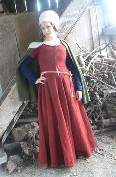 Krapprotes Kleid, ausgehendes 15. Jh, Schweiz