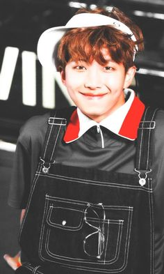 He looks like 9 year old here. So cute. (But beware he is the one who wrote expensive girl lololol I'm jk I love him)♥️♥️♥️♥️♥️♥️♥️