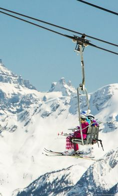 Sitting at an altitude of 7,082 feet, Sunshine Village is nestled in the heart of Banff National Park and is known for its varied terrain, straddling the Continental Divide.