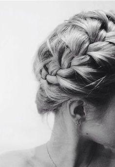french braid crown