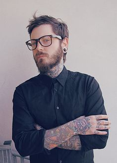 i love love LOVE this short hair + beard combo. perfect length, perfect look.