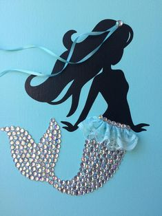 Acrylic Painting For Beginners, Painting For Kids, Diy Canvas, Canvas Wall Art, Mermaid Canvas, Mermaid Diy, Creative Artwork, Button Art, Diy Doll