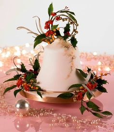 A bell shaped Christmas cake deorated with seasonal flowers and foliage. Christmas Minis, Christmas Baking, Christmas Cakes, Xmas Cakes, Christmas Parties, Christmas Recipes, Christmas Ideas, Fondant, Tall Wedding Cakes
