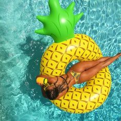 💛FRIDAY FEELING💛 is soaking up the sun in the Giant Pineapple Pool Ring from How are you spending your Friday?🌼 💛Shop: Giant Pineapple Pool Floatie 💛The World's Tropical Boutique 💛Tag Us To Be Featured! Summer Girls, Summer Fun, Summer Things, Cool Pool Floats, Team Magma, Pool Picture, Surf Trip, Surf Travel, Bali Travel