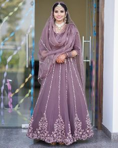 Party Wear Indian Dresses, Indian Bridal Outfits, Dress Indian Style, Bridal Dresses, Asian Wedding Dress Pakistani, Pakistani Dresses Casual, Pakistani Dress Design, Trendy Suits, Bridal Lehenga Collection