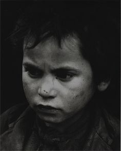 Sabine Weiss, Petit mendiant, Tolède, Espagne, 1949