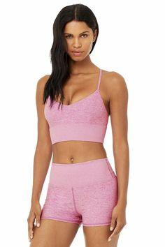 Black Sportswear Bra, minimal athletic sports bra. #minimalfashion #sporty #blackbra How To Wear Sweatpants, Street Look, Street Style, Wear Test, Black Bra, Yoga Wear, Pink Bra, Minimal Fashion, Bra Tops