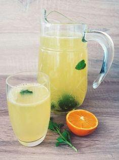 Make orange-lemon lemonade yourself without sugar Informations About Lecker & figurfreundlich: Orang Summer Drinks, Cocktail Drinks, Fun Drinks, Healthy Drinks, Cocktail Recipes, Healthy Food, Smoothie Detox, Smoothie Drinks, Detox Drinks