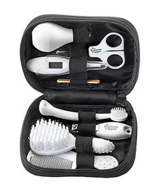 The Tommee Tippee Closer to Nature baby health care and grooming kit contains everything that you may need both at home and on the go. Baby Nails, Baby Kit, Baby Must Haves, Baby Health, Health Care, Uk Health, Closer To Nature, Grooming Kit, Natural Baby