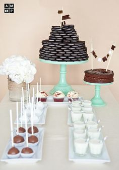 An cute oreo cake for a kid's party!