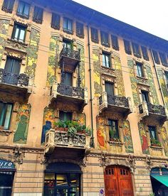 #milano #milanocentro #portavenezia #palazzo #palazzi #urban #architecture #urbanart #art #paint #paintining #building #buildings #milanodavedere #vivomilano #milaninaight #now #ciao #igers #igersmilano by toretto7084