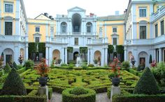 Thomas Bodström blir ny landshövding - Tilldelas palats i centrala Stockholm Baroque Architecture, Beautiful Architecture, Castle Ruins, Scandinavian Furniture, Stockholm Sweden, Norway, In This Moment, Mansions, House Styles