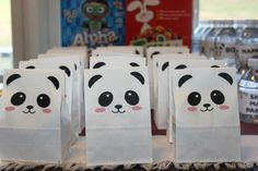 Panda party ideas that with style and fun that any kid will love. Ideas for birthday party decorations, activities, and food. Panda Party Favors, Panda Themed Party, Bear Party, Chinese Theme Parties, Panda Birthday Cake, Birthday Party Decorations, Birthday Parties, Chinese Birthday, Panda Craft