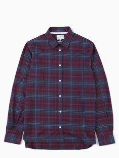 A more relaxed fit, the Hans Brushed Check shirt by Norse Projects is made from a soft, brushed cotton fabric and features a single chest pocket. - 100% cotton - Chest pocket - Top two buttons closer together to allow for a tidy fit when top button undone - Slightly curved hem - Mother of pearl buttons