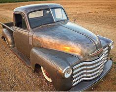 Chevy Pickup Trucks, Gm Trucks, Cool Trucks, Cool Cars, Old Chevy Pickups, Chevrolet 3100, Antique Trucks, Vintage Trucks, Car Cookies
