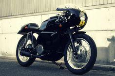 Yamaha SR400 Custom by Motor Rock