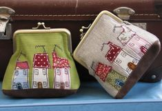 "I have ""a thing"" for quirky houses so I think these are great. Purses - Dear Emma Handmade Designs by kristy Freehand Machine Embroidery, Free Motion Embroidery, Patchwork Bags, Quilted Bag, Coin Purse Tutorial, Coin Purse Wallet, Coin Purses, Frame Purse, Small Sewing Projects"