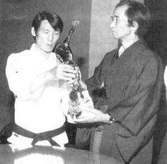 Mai 1976 STAGE FLORENCE  sensei TETSUJI MURAKAMI - SHIGERU EGAMI  CADEAU PAR LES ÉLÈVES DE TRIESTE