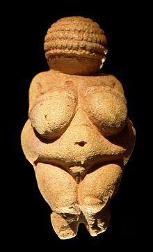 Escultura Prehistórica (Venus de Willendorf)