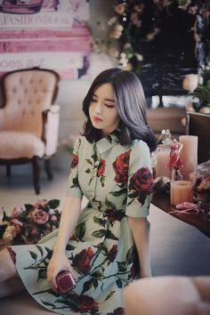 Beautiful dress. Love the floral print. Great photography. Ylime xxx