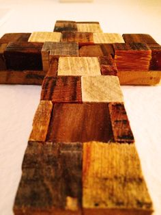 A #cross made from the scraps of #pallet #wood at palletsos.